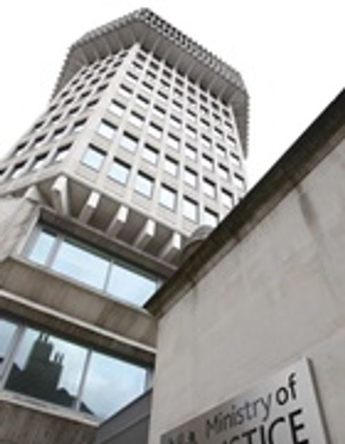 MoJ denies legal aid contract U-turn featured image