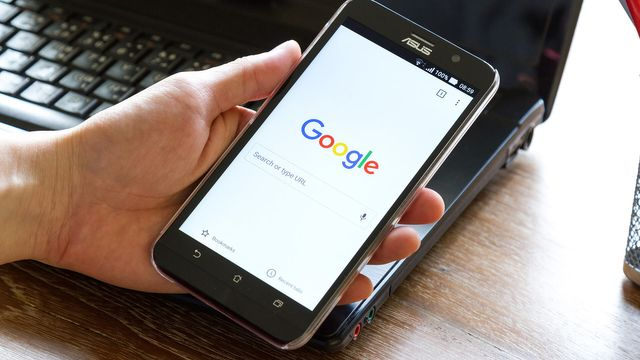 Google temporarily disables 'not mobile-friendly' label in search results due to bug featured image
