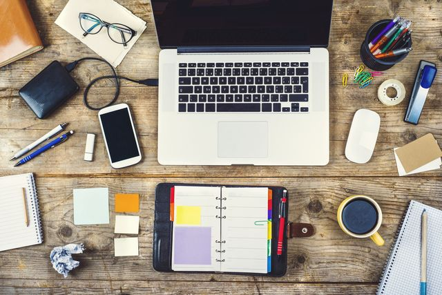 6 Desk Must-Haves to Keep You Happy and Productive featured image