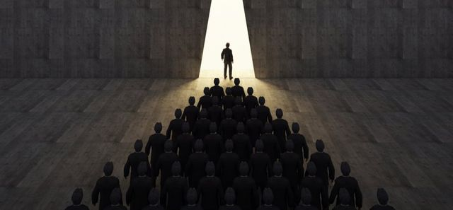 Act Like a Leader, Think Like a Leader: How to Change the Course of Your Career featured image