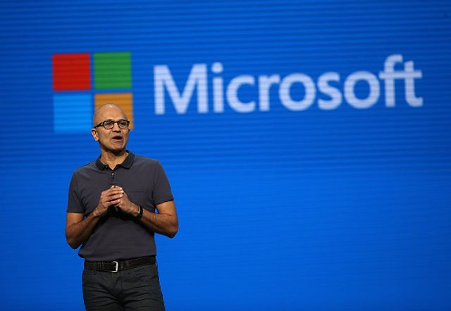 Will Microsoft give Salesforce a run for it's money this year? featured image
