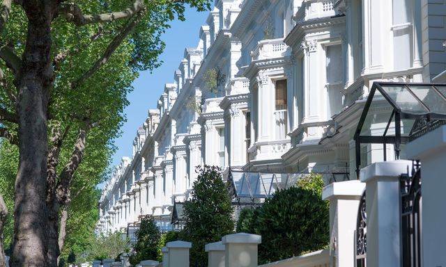 Low house prices in luxury postcodes - Buyers cash in featured image