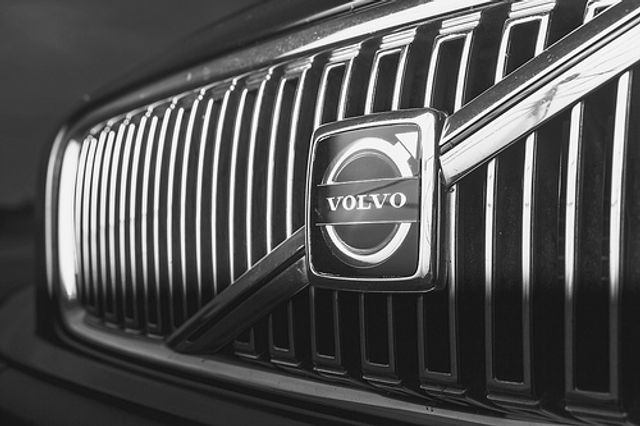 The Amazing Ways Volvo Uses Big Data, Machine Learning and Predictive Analytics featured image