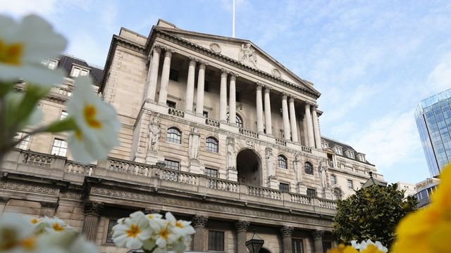 Bank of England successfully tests a programme to synchronise transactions between 2 central banks featured image