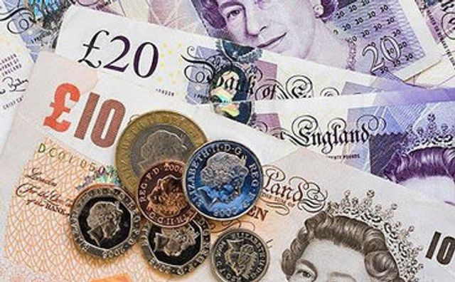 People who take financial advice '£40,000 better off' featured image