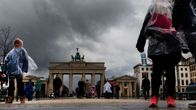 Germans save more than Brits — but they don't invest featured image