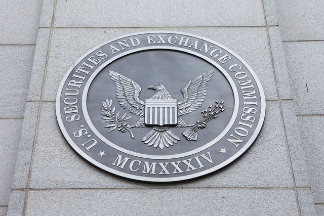 SEC Quietly Puts Bitcoin ETF Proposals Back on the Table featured image