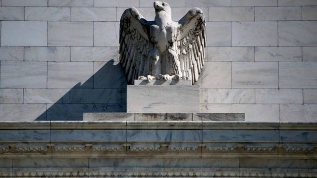 US regulators begin major easing of Volcker rule featured image