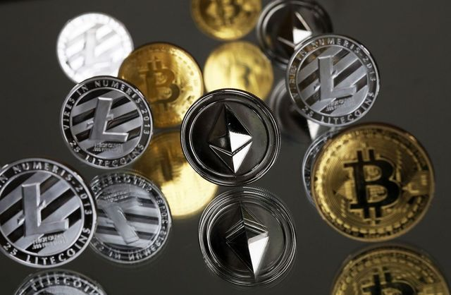 Bitcoin futures regulator allows employees to trade crypto featured image