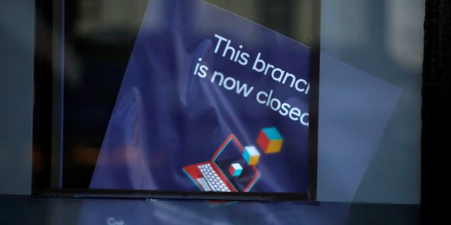 UK banks are closing branches at an increasing rate featured image