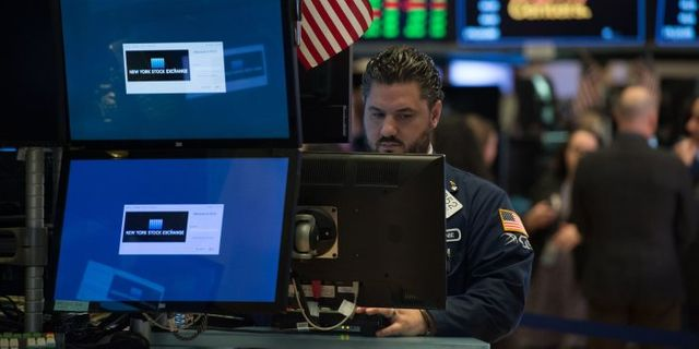 As First ETF Turns 25, Exchange-Traded Funds Dominate Investing World featured image