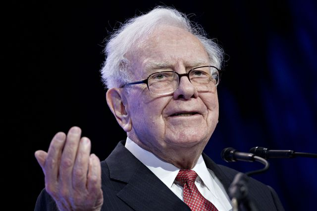 Warren Buffett Really Doesn't Like Bitcoin featured image