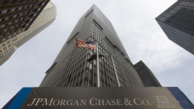 JP Morgan Joins Battle for Retail Investors with New Mobile Brokerage Service featured image