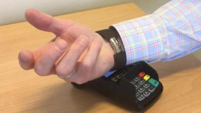 Axis Bank introduces 'wear 'N' pay' featured image