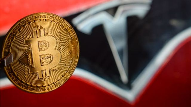 Elon Musk says Tesla will stop accepting bitcoin for car purchases, citing environmental concerns featured image