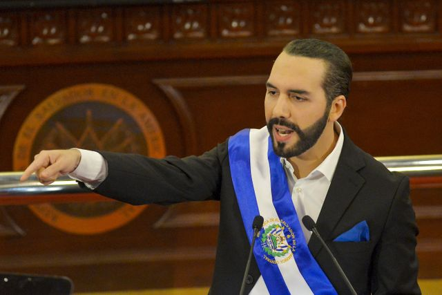 El Salvador becomes first country to adopt bitcoin as legal tender after passing law featured image