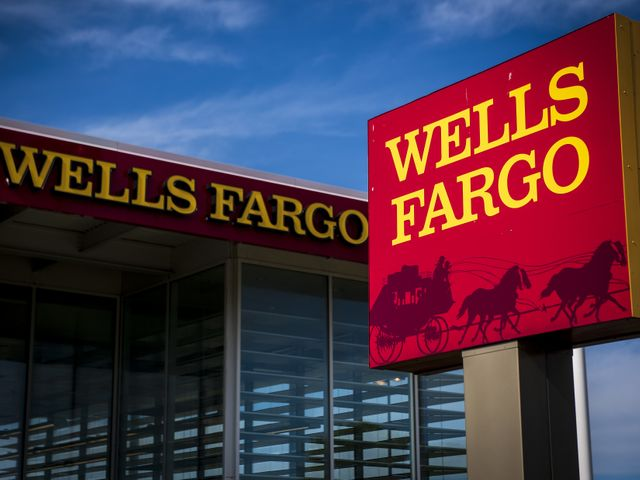 Wells Fargo tells customers it's shuttering all personal lines of credit featured image