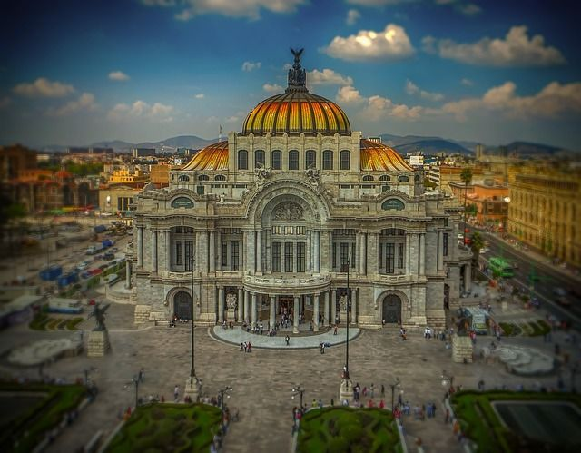 """""""Mobile phones will become banks."""" As Mexico pushes mobile payments featured image"""