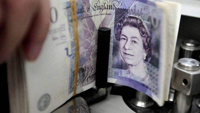 17% of the population would struggle to cope in a cashless society, review finds featured image