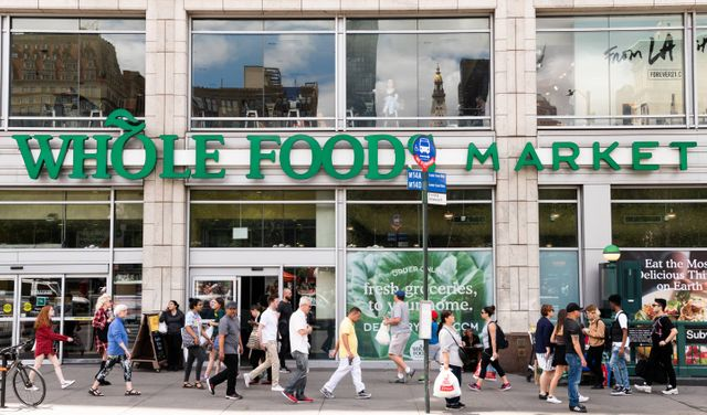 Bitcoin comes to Whole Foods, Major Retailers in Coup for Digital Currency featured image