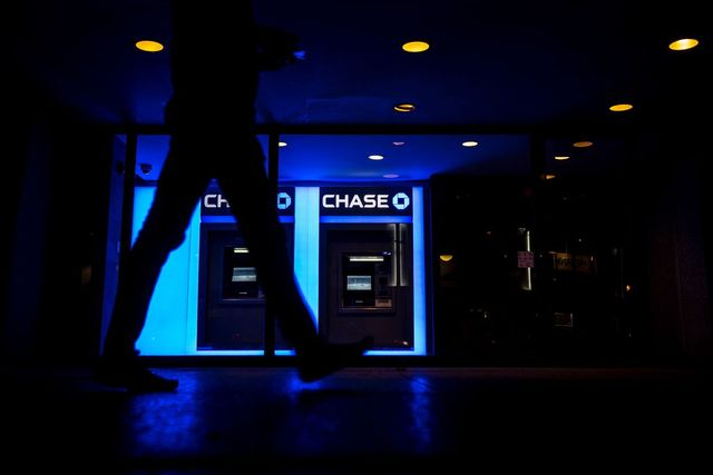 The Number of ATMs Around the World Has Fallen for the First Time featured image