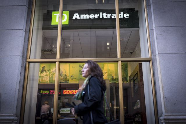 The incumbents respond: Charles Schwab is in talks to buy TD Ameritrade featured image
