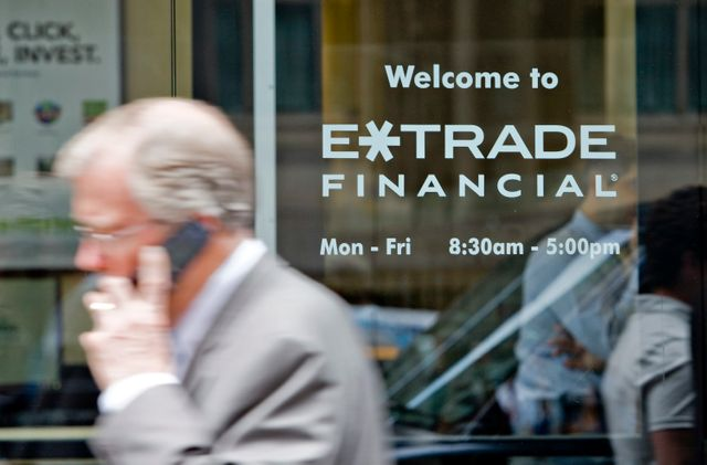 Morgan Stanley to buy E-Trade for $13 billion in latest deal for online brokerage industry featured image