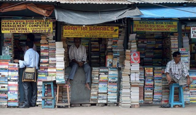 India's Khatabook raises $60m to help merchants digitize bookkeeping and accept payments featured image