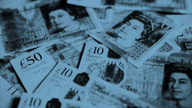 UK sells negative-yielding government bonds for first time featured image