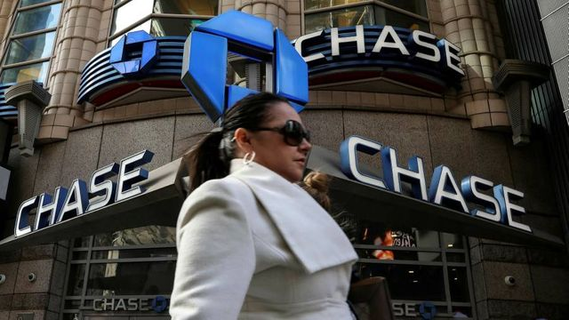 Three US banks set aside record $28bn for loan losses featured image
