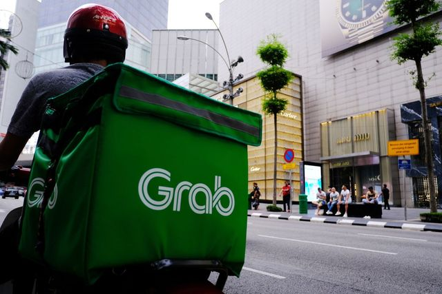Singapore's Grab Rolls Out Micro-Investments, Consumer Loans to Users featured image