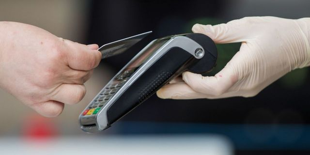 Is This The Year You Finally Stop Swiping Your Credit Card? featured image