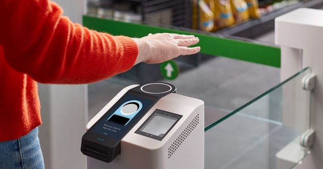 Amazon will now let you pay with your palm in its stores featured image