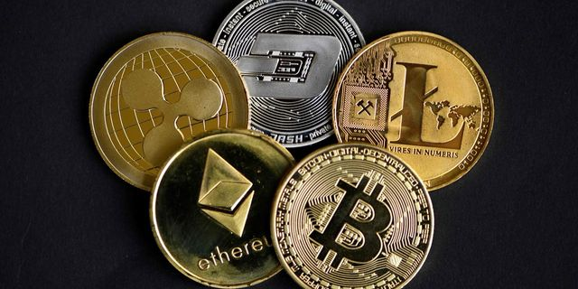 Why Central Banks Want to Create Their Own Digital Currencies Like Bitcoin featured image