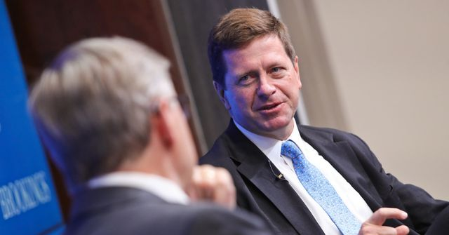 SEC's Clayton says payment inefficiencies are boosting bitcoin's rise featured image