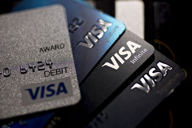 A new Visa credit card offers bitcoin rewards instead of miles or cash featured image