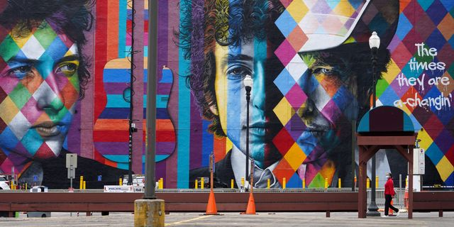 Was Bob Dylan's sale of his massive music catalog a tax maneuver? featured image