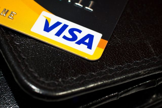 Visa supports transaction settlement with USDC stablecoin featured image