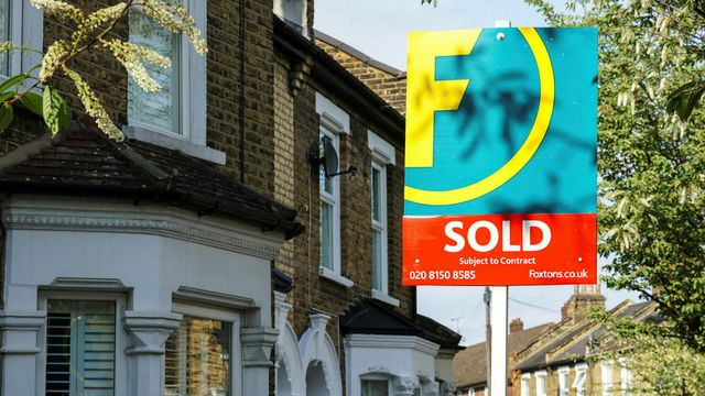 Scramble to complete property deals shows scope for digital disruption featured image