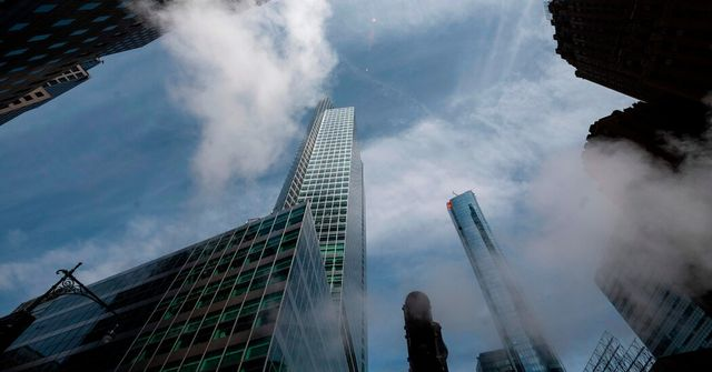 Goldman Sachs asks most employees to return to office by late June featured image