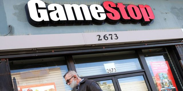 SEC's GameStop report questions 'game-like' trading apps featured image