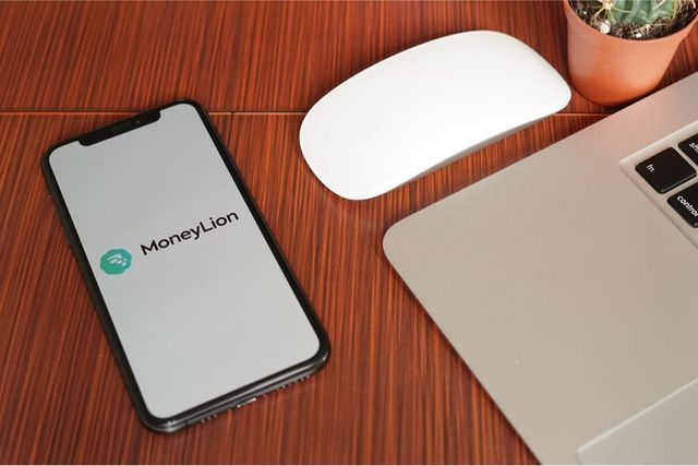 MoneyLion launches RoarMoney account with contactless mobile wallet featured image