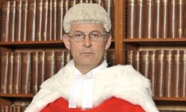 A senior judge says estranged wealthy fathers should be forced to pay more towards their children featured image