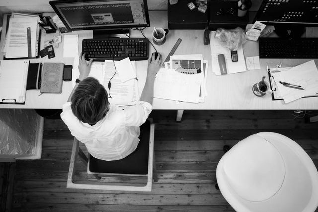 Top tips to keep your divorce out of the workplace featured image