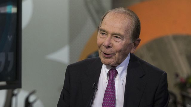 Hank Greenberg backs funding round for AI underwriting start-up featured image