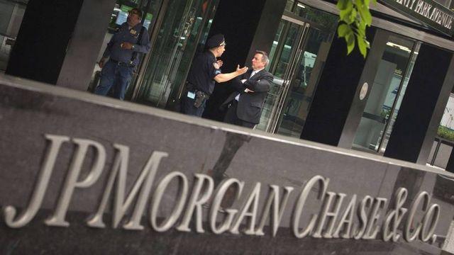 JPMorgan disrupts online brokerage Robinhood featured image