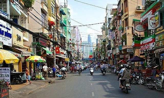 Fintech and Foreign Banks Growing Fast in Vietnam featured image