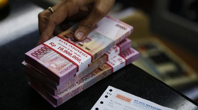 Indonesia's fintech lending surge takes advantage of deficit in bank credit featured image