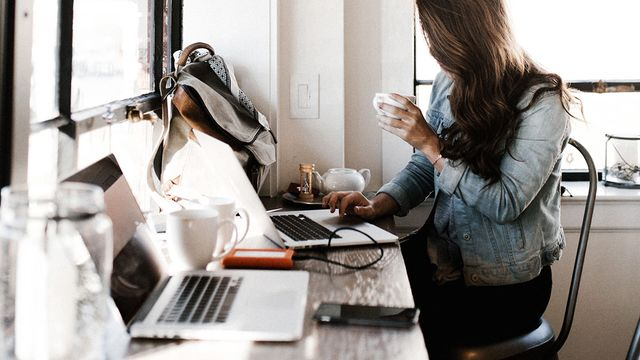 Why you can focus in a coffee shop but not in your open office featured image