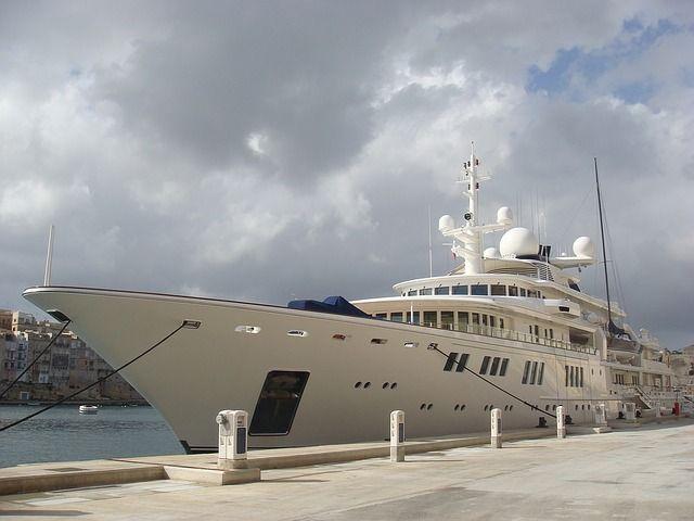 Akhmedova v Akhmedov: Superyacht freed from Dubai port featured image